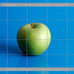 Manzana- fondo azul