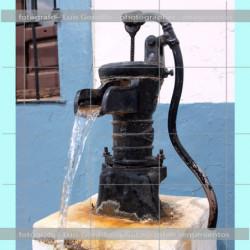 Fuente bomba de agua