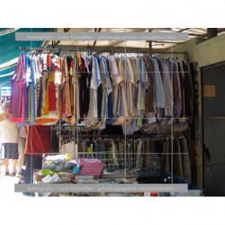 Camisas en mercadillo