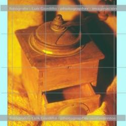 Molinillo madera vintage